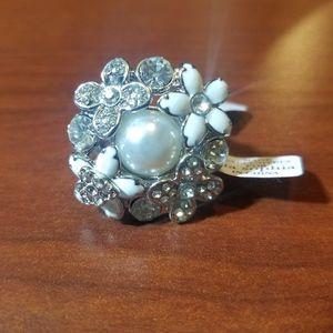 Lia Sophia size 8 fashion ring